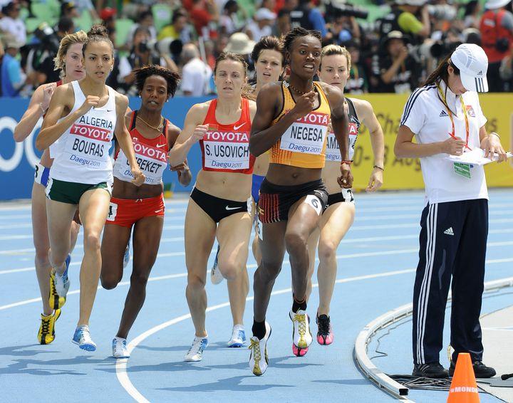 Annet Negesa, sur 800 mètres féminin, lors des Championnats du monde à Daegu (Corée du Sud), le 1er septembre 2011. (JUNG YEON-JE / AFP)