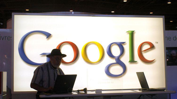 """L'arrivée de Google dans les services de """"cloud computing"""" est tardive. Presque tous les autres grands groupes informatiques ont déjà lancé un service similaire. (BOB DEWEL / ONLY FRANCE / AFP)"""