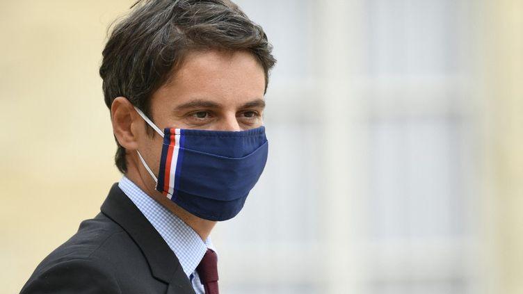 Le porte-parole du gouvernement, Gabriel Attal, à la sortie du Conseil des ministres, mercredi 26 mai 2021 au palais de l'Elysée. (BERTRAND GUAY / AFP)