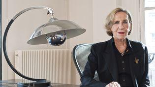 La styliste Andrée Putman, dans son bureau, en mars 2009. (LUDOVIC MAISANT / HEMIS.FR / AFP)