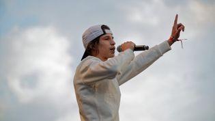 Le rappeur Moha La Squale lors d'un concert à Paris, le 5 juillet 2018. (DANIEL PIER / NURPHOTO)