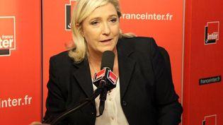 Marine Le Pen, dans le studios de France Inter. (ANNE AUDIGIER / RADIOFRANCE)