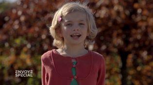 """Envoyé spécial. Dysphorie de genre : """"Je m'appelle Stella, j'ai 8 ans. Avant j'étais un garçon, je m'appelais Lisandre"""" (ENVOYÉ SPÉCIAL  / FRANCE 2)"""