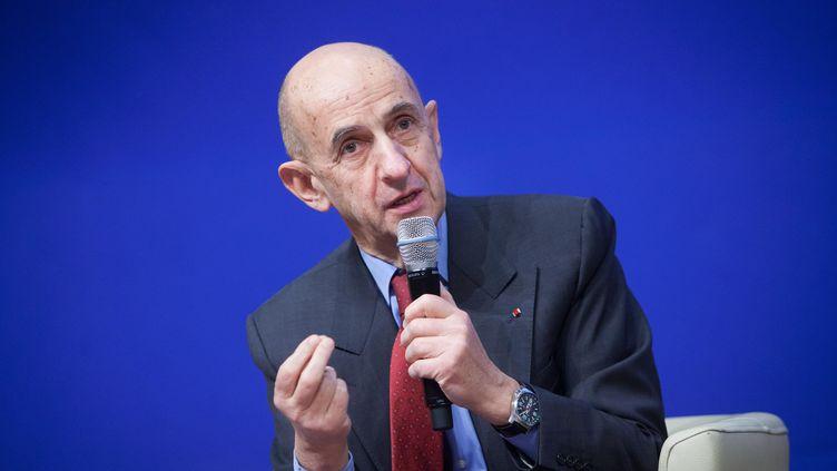 """Louis Gallois lors du colloque """"Les entretiens du Trésor"""", le 30 novembre 2012 au centre de conférence du ministère de l'Economie, à Paris. (MAXPPP)"""