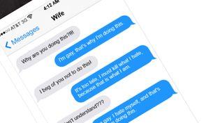 (La fausse conversation SMS entre Omar Mateen et sa femme © Capture d'écran abcnews.com.co)