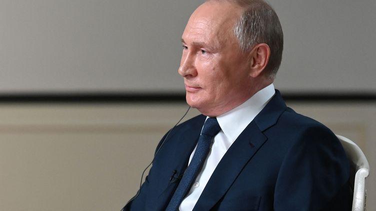 Le Président russe Vladimir Poutine donne une interview à NBC à Moscou (Russie) le 14 juin 2021. (MAKSIM BLINOV / SPUTNIK / AFP)