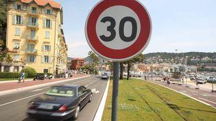 Une rue deNice (Alpes-Maritimes), en mai 2011. Lalimitation à 30 km/h est déjà appliquée dans une partie de la ville. (MAXPPP)