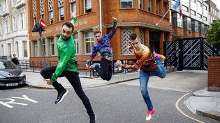 Trois membres du collectif de danse contemporaine La Horde (TOLGA AKMEN / AFP)