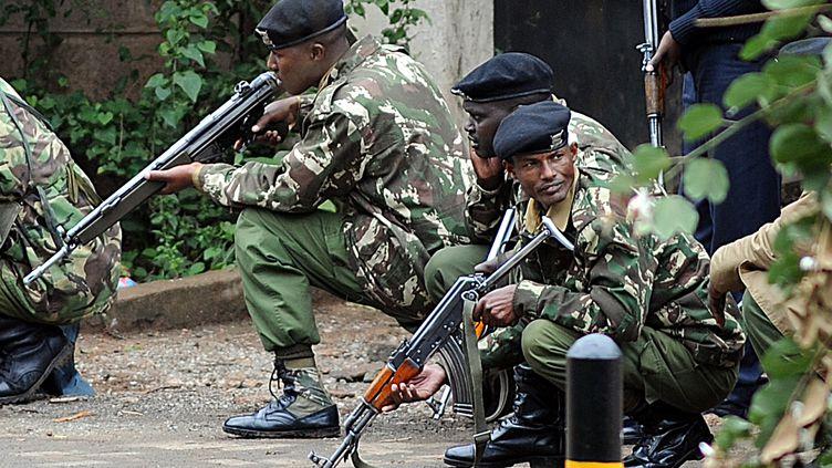 Nairobi (Kenya), le 23 septembre 2013.Les affrontements se poursuivent dans l'après-midi (SIMON MAINA / AFP)