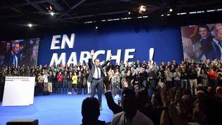 Emmanuel Macron, le 10 décembre 2016, lors de son grand meeting parisien. (MAXPPP)