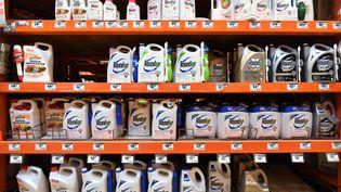L'herbicide au glyphosate Roundup en vente à San Rafael, aux Etats-Unis, le 9 juillet 2018. (JOSH EDELSON / AFP)