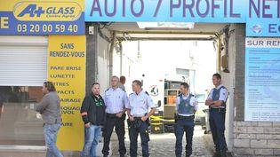 Le corps de la victime a été retrouvé dans cette cour, le 3 septembre 2013, à Lomme (Nord). (MAXPPP)