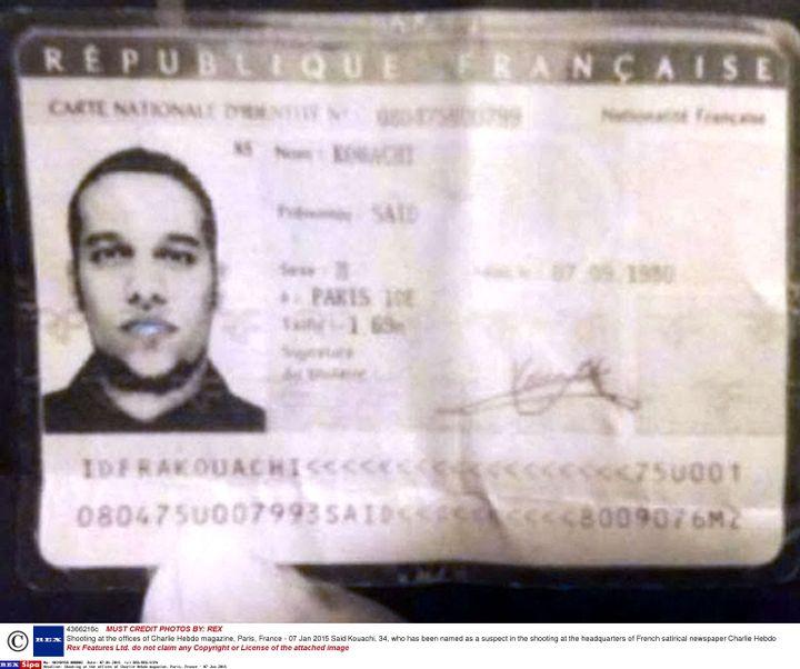 """Une photo de la carte d'identité de Said Kouachi, retrouvée près du lieu de l'attaque contre """"Charlie Hebdo"""", le 7 janvier 2015, à Paris. (REX / SIPA)"""