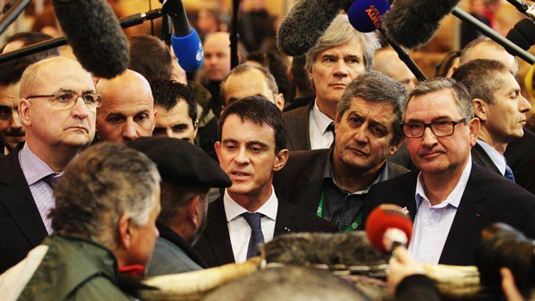 (Le Premier ministre, Manuel Valls, en visite ce lundi au Salon de l'agriculture à Paris © MaxPPP)