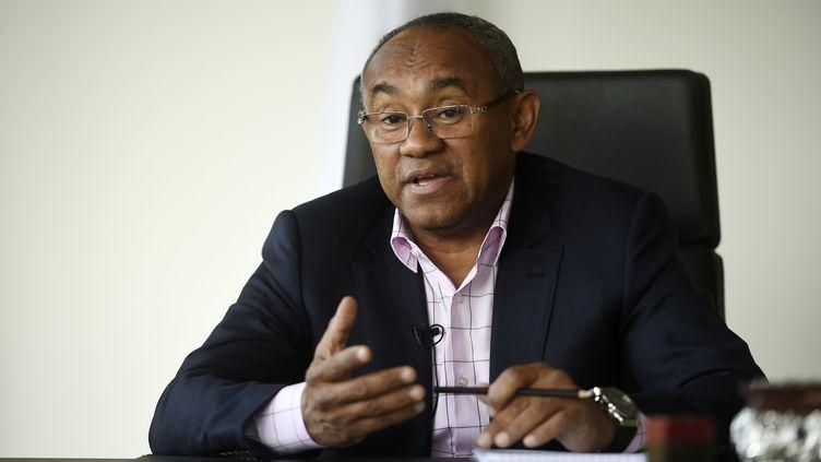 Le président de la Confédération africaine de football, Ahmad Ahmad, ici en avril 2018. (KHALED DESOUKI / AFP)