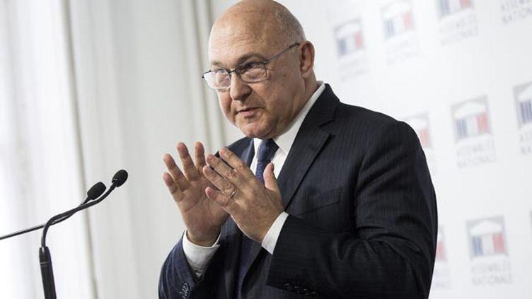 (Le ministre des Finances, Michel Sapin, veut s'attaquer au financement du terrorisme © MaxPPP)