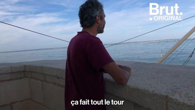 Brut s'est rendu sur le plus ancien phare de France toujours en activité, dans l'estuaire de la Gironde. Pierre et Thomas, ses gardiens, veillent sur ce lieu hors du commun. Ils racontent à Brut leur métier et leur quotidien.