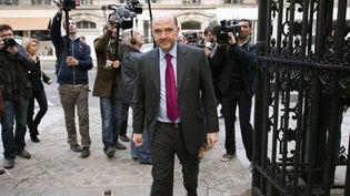 Le député socialiste Pierre Moscovi est indigné par la polémique sur DSK (AFP - LIONEL BONAVENTURE)