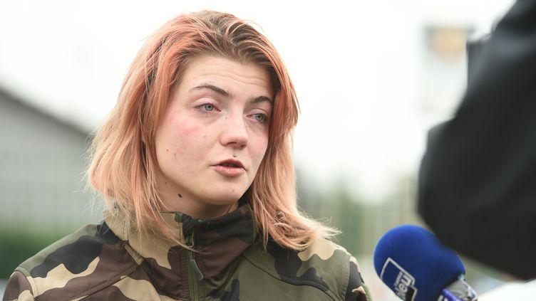 Stella Guitton s'exprime après la mort de sa mère, tuée par son mari, dimanche à Oberhoffen-sur-Moder. (FRANCK KOBI / MAXPPP)