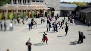 La cour du collège d'enseignement privé de Tinténiac (Ille-et-Vilaine), le 23 septembre 2011. (DAMIEN MEYER / AFP)
