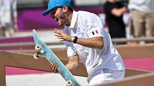 Le skateur Vincent Milou aux Jeux olympiques de Tokyo, le 25 juillet 2021. (JEFF PACHOUD / AFP)