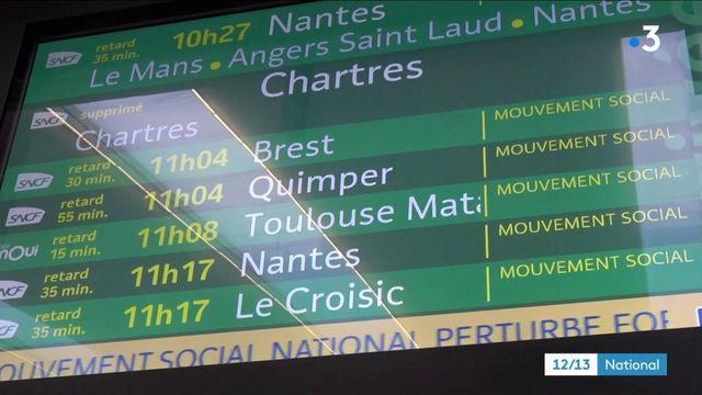 Grève à la SNCF : l'inquiétude grandit à l'approche de Noël