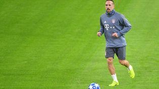 Le footballeurfrançais Franck Ribéry lors d'une session d'entraînement avec le Bayern Munich avant un match de la Ligue des Champions contre Ajax Amsterdam, le 11 décembre 2018 à Amsterdam (Pays-Bas). (EMMANUEL DUNAND / AFP)