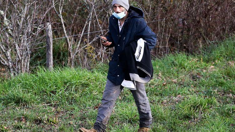 Cédric Jubillar, le mari de Delphine Jubillard, le 23 décembre 2020 près d'Albi (Tarn). (FRED SCHEIBER / AFP)