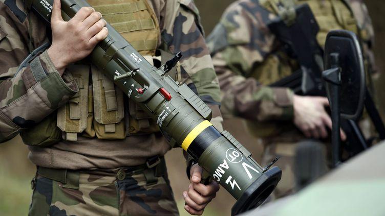 Un lance-roquette lors d'un exercice militaire le 17 mars 2017 àChenevières (Meurthe-et-Moselle). Image d'illustration. (ALEXANDRE MARCHI / MAXPPP)