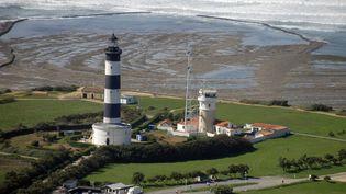 Le phare de Chassiron en Charente-Maritime. (MARCEL MOCHET / AFP)