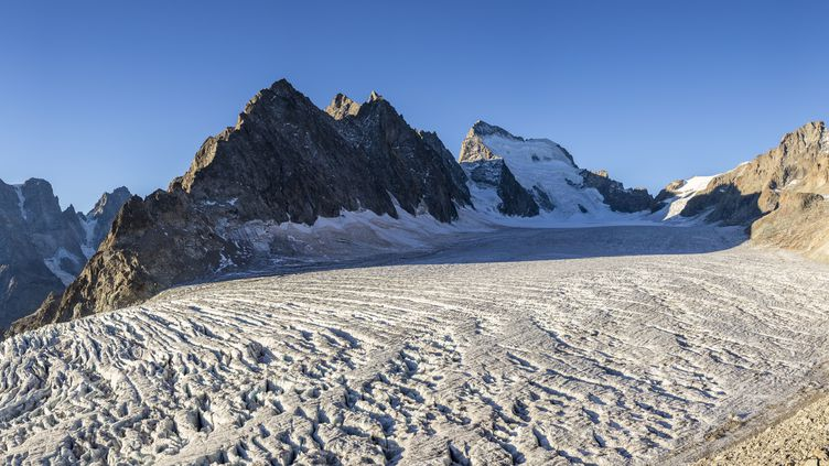 Le massif des Ecrins, le 3 novembre 2017. (CAVALIER MICHEL / HEMIS.FR / AFP)