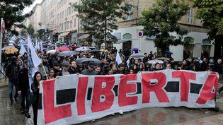 Ils sontdes milliers à manifester dans les rues de Bastia samedi 15 octobre. (PASCAL POCHARD-CASABIANCA / AFP)