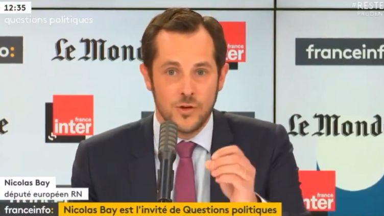 """Nicolas Bay, député européen au Rassemblement National, sur le plateau de """"Questions Politiques"""" de France Inter, dimanche 14 juin 2020 (CAPTURE ECRAN / FRANCEINFO)"""