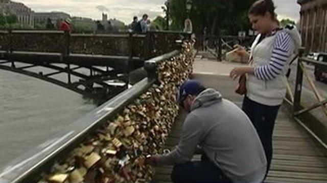 Le pont des amoureux vit ses dernières heures
