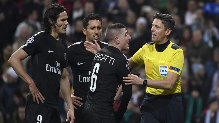 L'arbitre de Real Madrid - PSG (CHRISTOPHE SIMON / AFP)