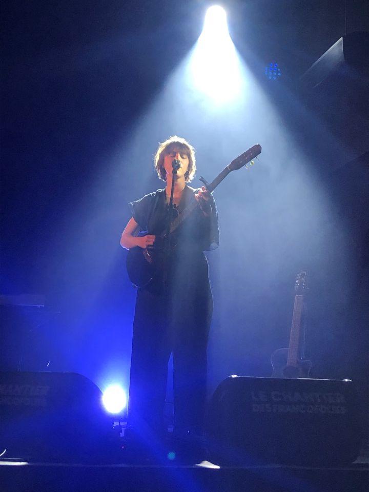 Lonny sur la scène du Chantier des Francos. (Yann Bertrand / Radio France)