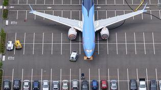 Photo d'un Boeing 737 MAX datant du 27 juin 2019, sur un parking du Beoing Field à Seattle, Washington (STEPHEN BRASHEAR / GETTY IMAGES NORTH AMERICA / AFP)
