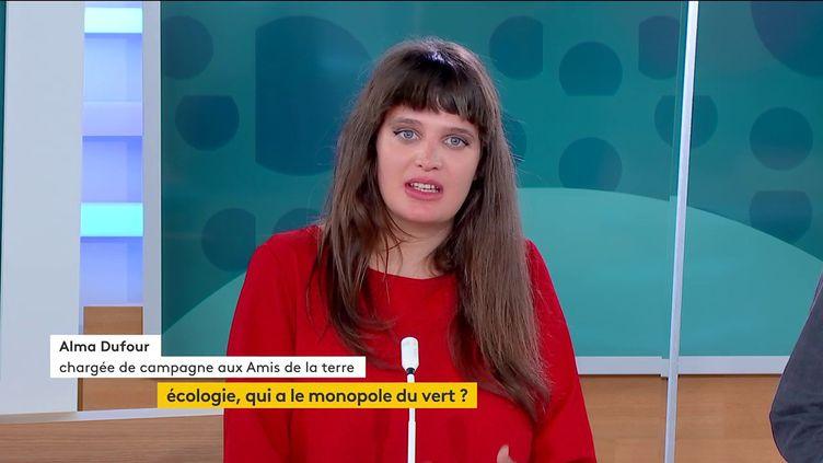 Alma Dufour, chargée de campagne au sein de l'association Les amis de la Terre, le 20 septembre sur la chaîne franceinfo. (FRANCEINFO)
