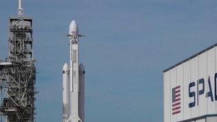 Espace : la fusée SpaceX parée au décollage (France 2)
