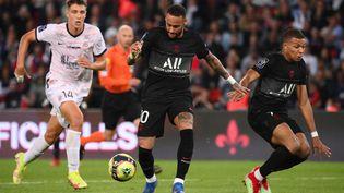Neymar a beaucoup tenté face à Montpellier, le 25 septembre au Parc des Princes. (FRANCK FIFE / AFP)