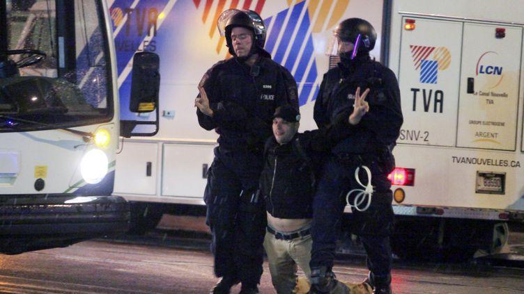 L'un des 84 manifestants arrêtés à Québec (Canada) le 28 mai 2012. (FRANCIS VACHON / AFP)