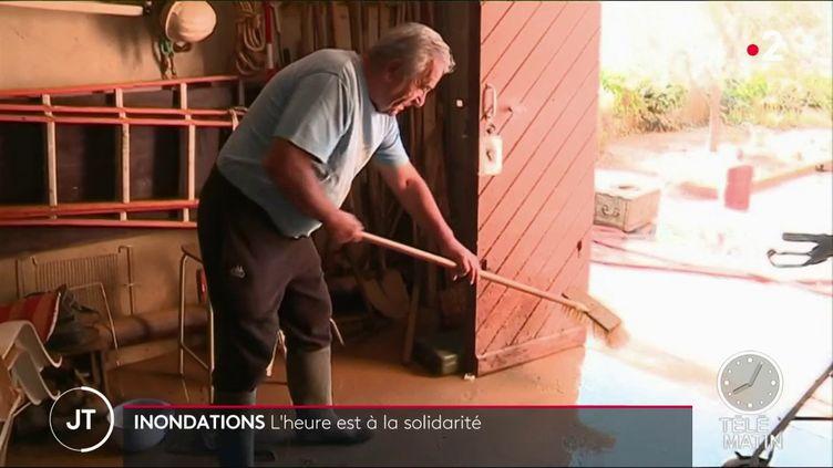 Deux jours après les pluies diluviennes qui se sont abattues sur Béziers (Hérault) et ses environs, la solidarité se met en place pour aider les victimes. (FRANCE 2)