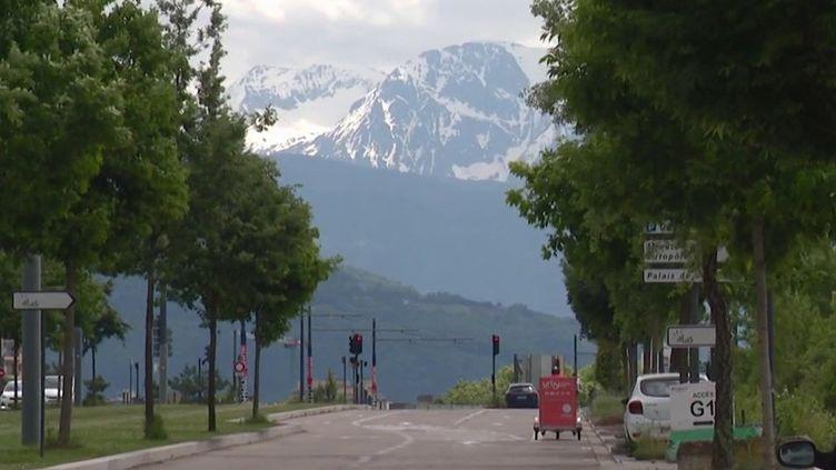 Environnement : à Grenoble, interdiction de circulation pour les véhicules les plus polluants (France 3)