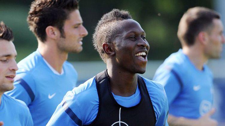 Yanga-Mbiwa à l'entraînement avec le groupe France (FRANCK FIFE / AFP)