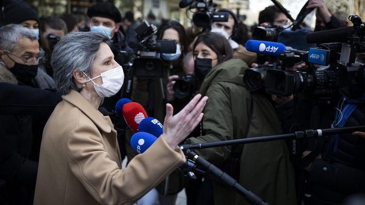 Sandrine Rousseau (EELV) lors d'une rencontre des différents leaders de la gauche en vue des présidentielles, le 17 avril 2021. (ALEXIS SCIARD / MAXPPP)