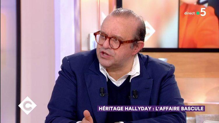 """L'avocat de Laura Smet, Hervé Témime, sur le plateau de """"C à vous"""", le 28 mai 2019. (FRANCE 5)"""