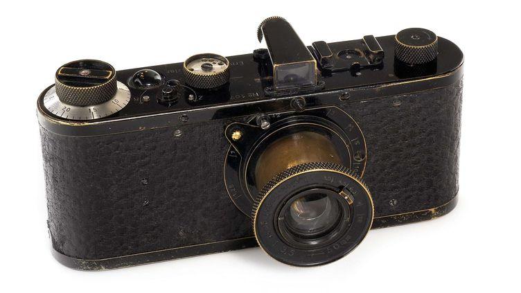 Un appareil Leica datant de 1923 a été vendu samedi aux enchères à Vienne pour la somme record de 2,4 millions d'euros. (AP/SIPA)