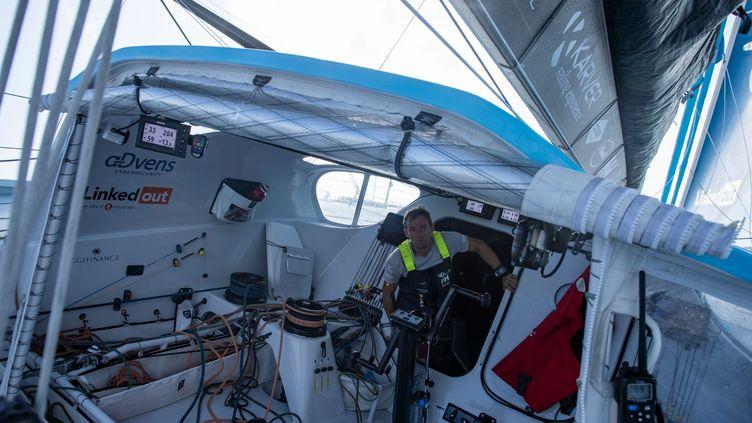 LenavigateurdunkerquoisThomas Ruyant à bord de son voilier Linkedout, équipé de 13 caméras et 16 micros. (PIERRE BOURAS / TR RACING)