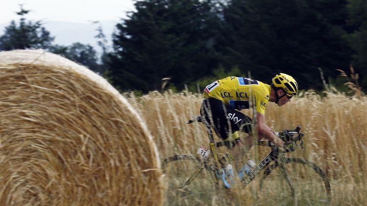 Le cycliste Chris Froome lors de la 14e étape du Tour de France, qui relie Rodez (Aveyron) à Mende (Lozère),le 18 juillet 2015. (? STEFANO RELLANDINI / REUTERS / X90016)