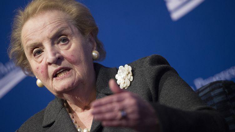 L'ancienne secrétaire d'Etat américaine, Madeleine Albright, le 24 octobre 2013 lors d'une conférence à Washington (Etats-Unis). (JIM WATSON / AFP)